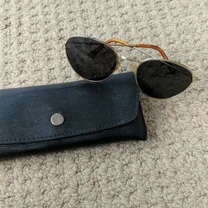Vintage Round Sunglasses with Case